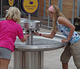 Girls_washing_hands